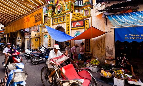 Old-Hanoi-beauty-in-bustling-modern-life-1