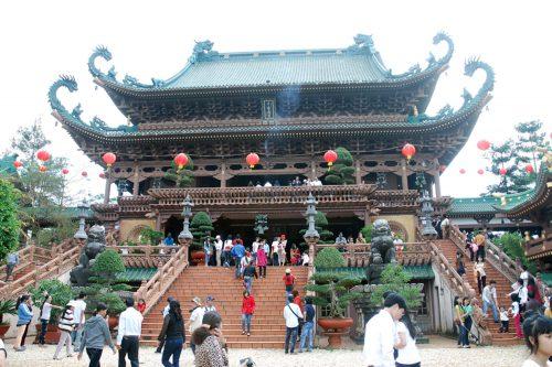 Perfume-pagoda-_-Ninh-Binh-3-days-tour2