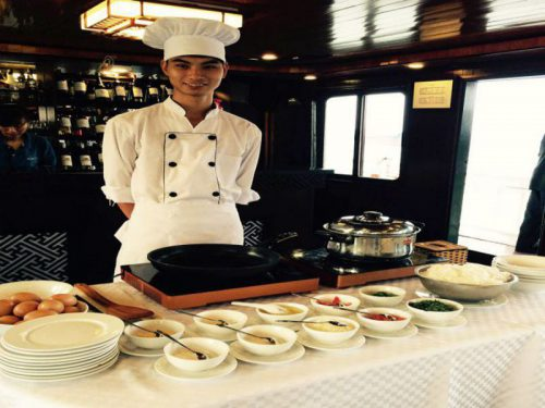 swan-cruises-halong-bay-cruise-restaurant-continental-breakfast