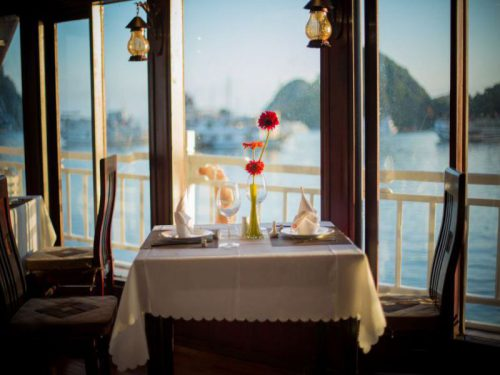 swan-cruises-halong-bay-cruise-restaurant3