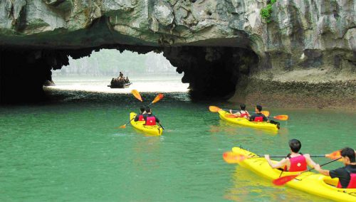 kayaking via Majestic Halong cruise