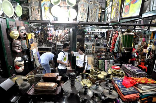 Antique Market Triwindu 4