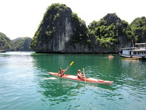 legacy-cruise-halong-bay-cruise-Kayaking