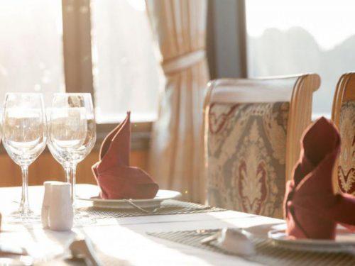 legacy-cruise-halong-bay-cruise-restaurant-2