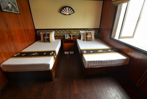 vspirit-cruise-halong-bay-cruise-Twin-Room