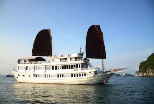 vspirit-cruise-halong-bay-cruise-overview4
