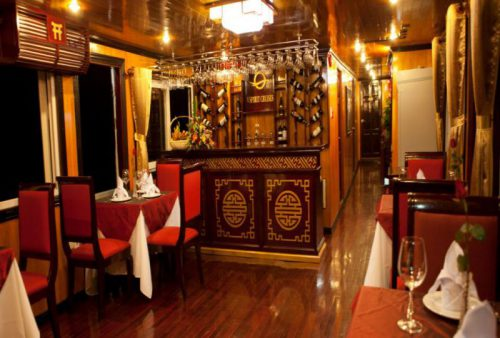 vspirit-cruise-halong-bay-cruise-restaurant1